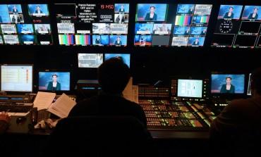 """Le """"direct"""" dans les médias : source d'info ou d'intox ? Une question de déontologie du journalisme"""