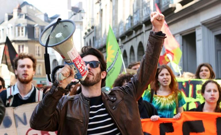 Loi travail : mobilisation étudiante contre une réforme impopulaire