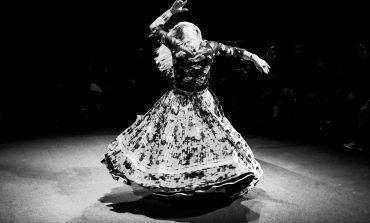 PHOTOREPORTAGE. Sur scène avec le Cirque Romanès